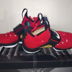 Lebron XV Prime University Red/White-black size 10